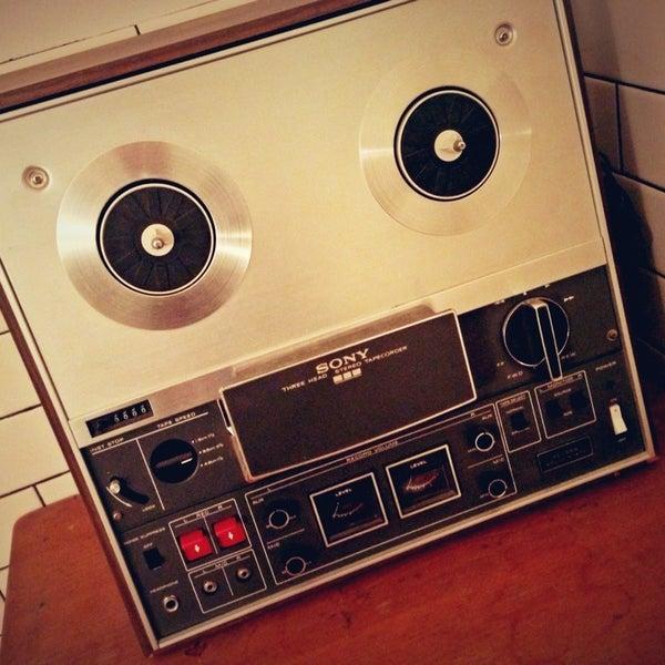 12/19/2012 tarihinde Danielziyaretçi tarafından Analog Coffee'de çekilen fotoğraf