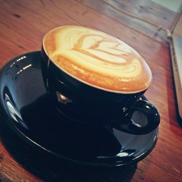 12/23/2012 tarihinde Danielziyaretçi tarafından Analog Coffee'de çekilen fotoğraf