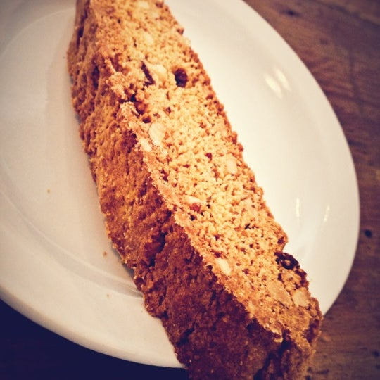 Get the biscotti. It's tasty.