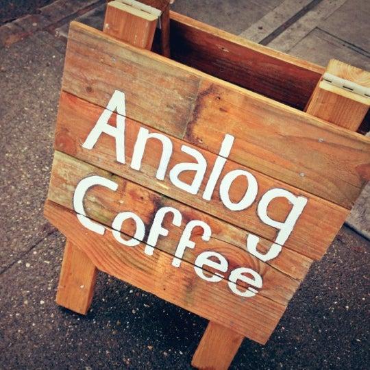 12/14/2012 tarihinde Danielziyaretçi tarafından Analog Coffee'de çekilen fotoğraf