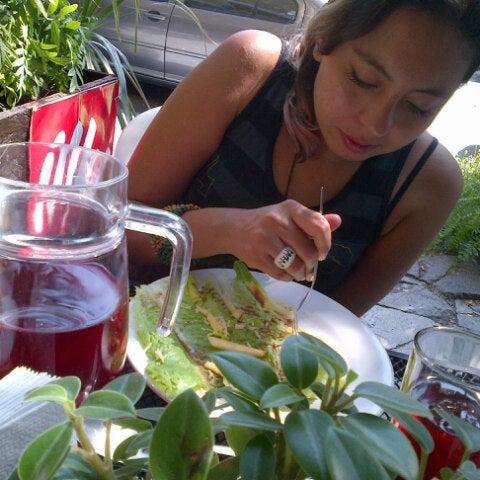 10/24/2012 tarihinde Violetly G.ziyaretçi tarafından BB KFE'de çekilen fotoğraf