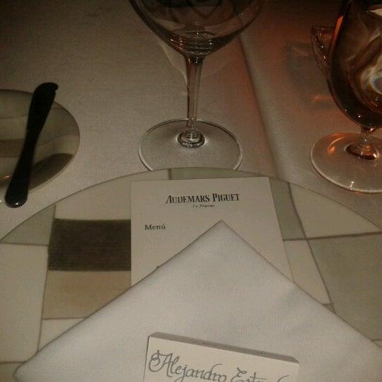รูปภาพถ่ายที่ Jaso Restaurant โดย Melissa E. เมื่อ 10/3/2012