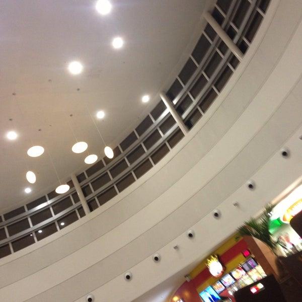 รูปภาพถ่ายที่ Shopping Park Europeu โดย Marco เมื่อ 8/4/2013