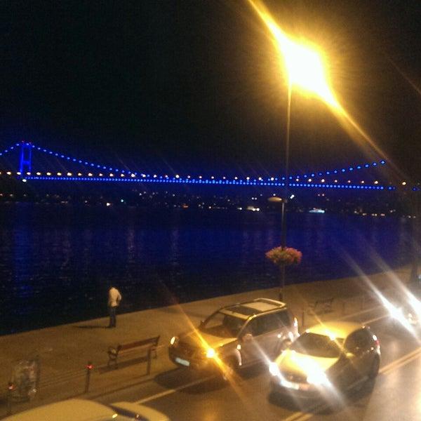 Foto tomada en Taş Kahve Cafe & Restaurant por 🐞€lif el 7/27/2013