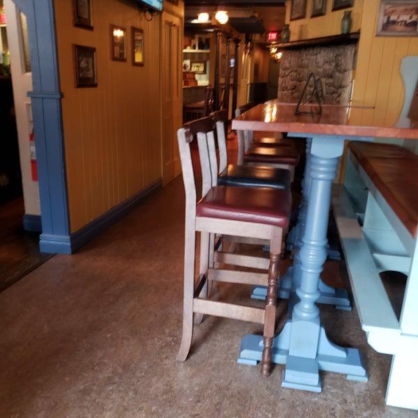 Foto tirada no(a) Tigin Irish Pub por Tracey M. em 4/25/2019