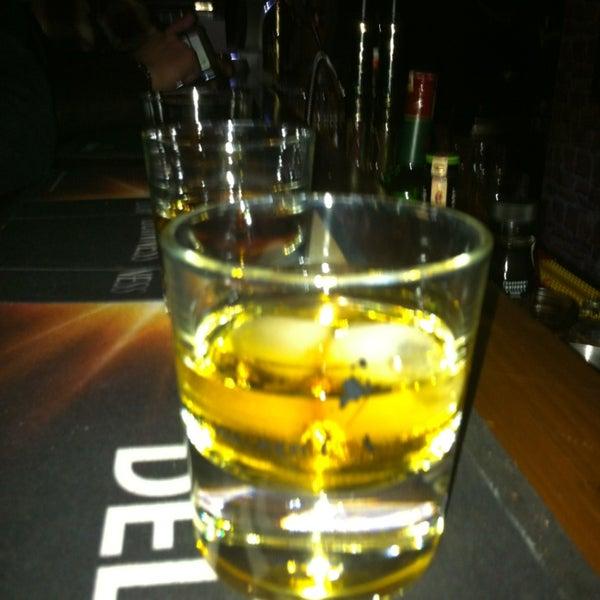 2/9/2013 tarihinde Alper G.ziyaretçi tarafından Drunken Duck'de çekilen fotoğraf