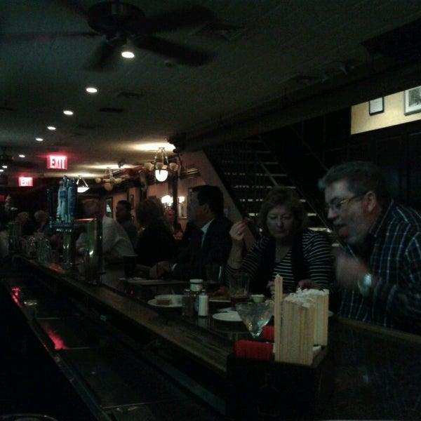 Foto tomada en Hurley's Saloon por Kim K. el 9/25/2013