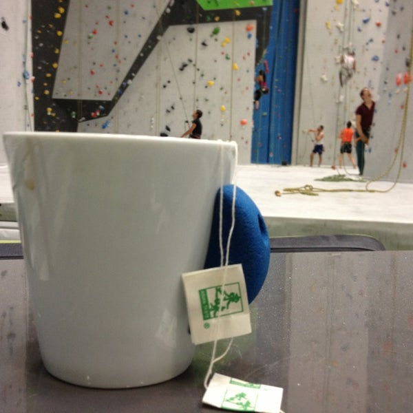 Foto tomada en Sender One Climbing, Yoga and Fitness por Shehulk123 el 10/19/2013