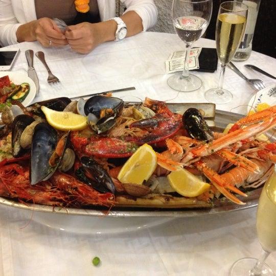 Das Foto wurde bei Restaurante Salamanca von Sasha am 10/2/2012 aufgenommen
