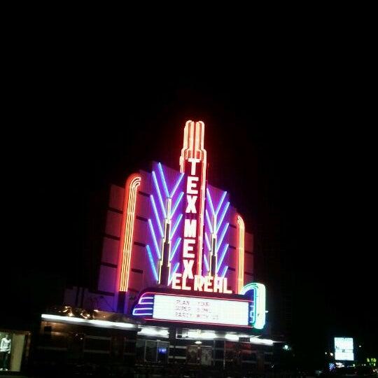 Снимок сделан в El Real Tex-Mex Cafe пользователем Cody 1/27/2012