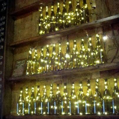 Foto tomada en OAK Restaurant & Wine Bar por A M. el 1/4/2012