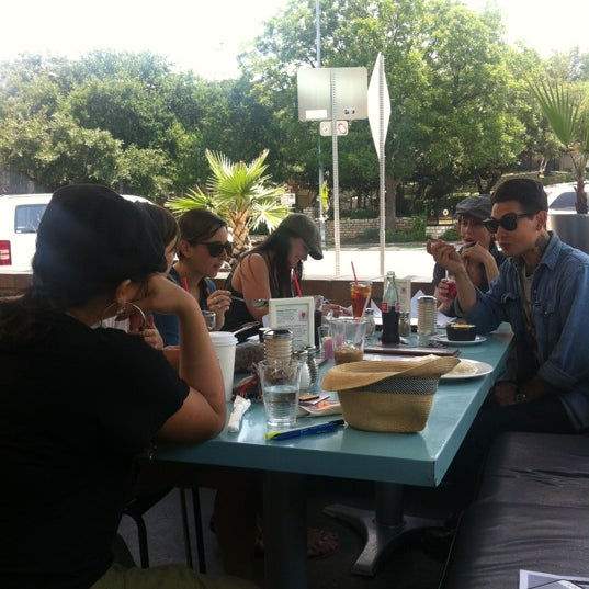 Foto scattata a Snack Bar da Jeremiah N. il 5/21/2012