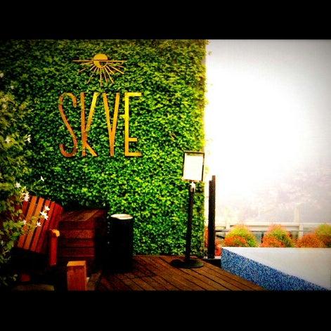 Снимок сделан в SKYE пользователем Appy B. 10/30/2012