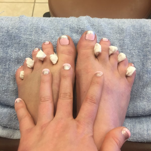 Luxury Nails - Nail Salon in Evans