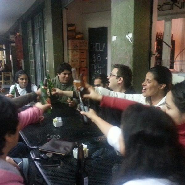 รูปภาพถ่ายที่ Jerónimas โดย Lucian C. เมื่อ 6/25/2013