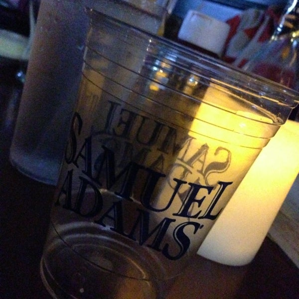 Foto tomada en Duffy's Irish Pub por Seth B. el 2/28/2013