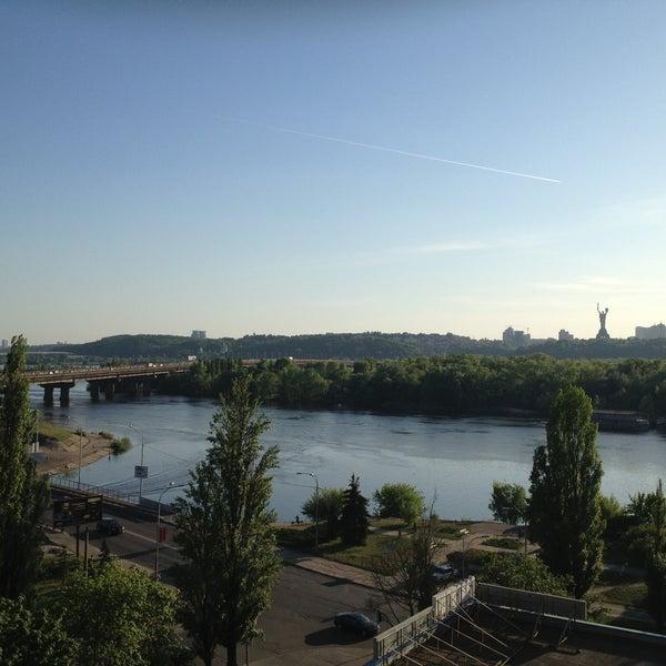 5/9/2013 tarihinde Татьянаziyaretçi tarafından Готель «Славутич»  / Slavutych Hotel'de çekilen fotoğraf