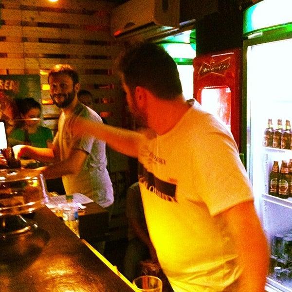 4/22/2013 tarihinde Gilberto M.ziyaretçi tarafından Factory Coffee Bar'de çekilen fotoğraf