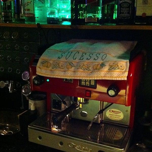 6/15/2013 tarihinde Gilberto M.ziyaretçi tarafından Factory Coffee Bar'de çekilen fotoğraf