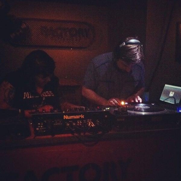 12/8/2012 tarihinde Gilberto M.ziyaretçi tarafından Factory Coffee Bar'de çekilen fotoğraf