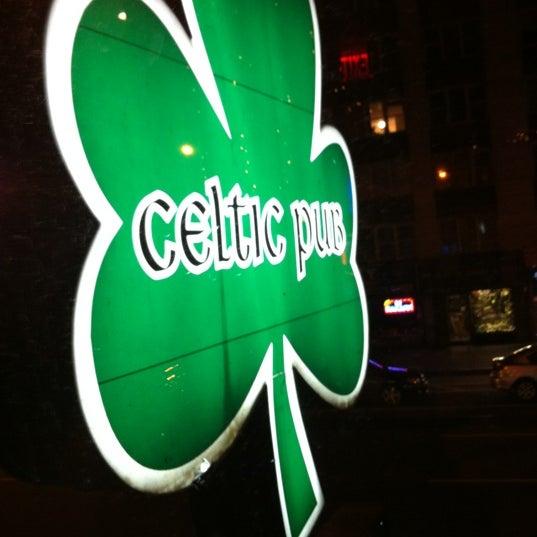 Foto tomada en Playwright Celtic Pub por Stephanie R. el 11/25/2012