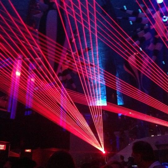 10/27/2012 tarihinde Hrudika G.ziyaretçi tarafından LIV Miami'de çekilen fotoğraf