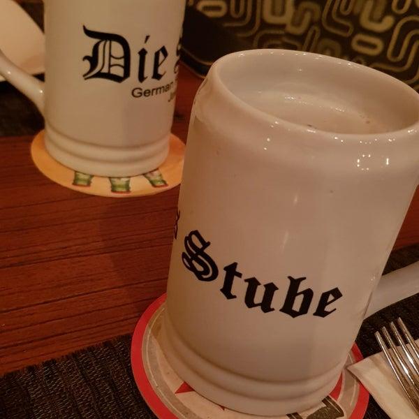 Снимок сделан в Die Stube German Bar & Resto пользователем Moonki C. 5/18/2019