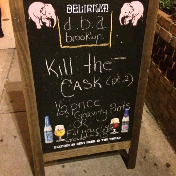 Foto diambil di d.b.a. Brooklyn oleh Tom pada 10/15/2014