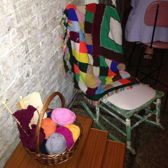 Foto scattata a Grandma's Bar da Irina il 12/1/2012