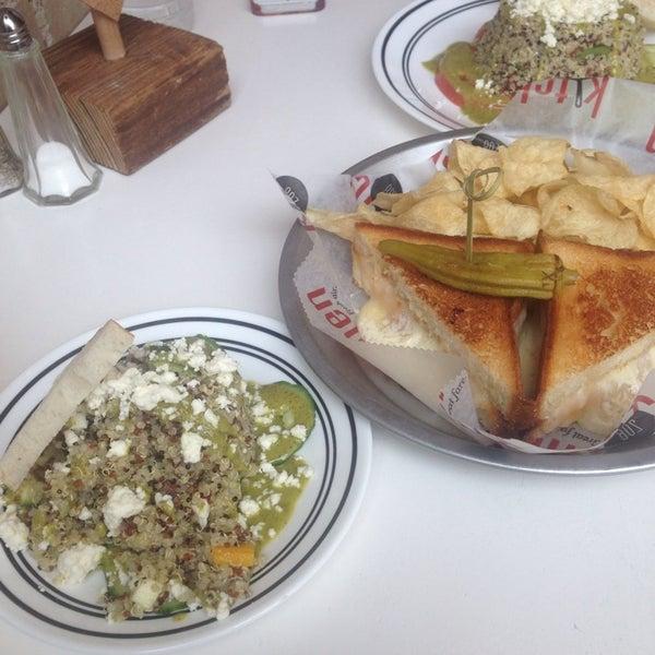 3/1/2014에 Rebecca P.님이 Kitchen 208에서 찍은 사진
