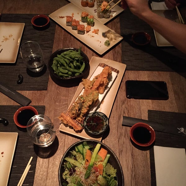 รูปภาพถ่ายที่ Yada Sushi โดย MUGE A. เมื่อ 1/4/2016