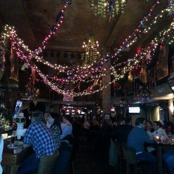 Foto tirada no(a) Bourbon Street Bar & Grille por Erika R. em 2/14/2013