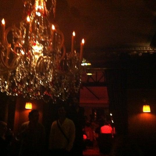 Foto diambil di Hôtel Costes oleh Tine pada 9/19/2012