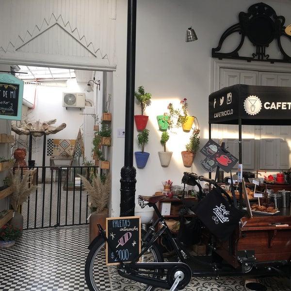 Foto tirada no(a) Barrio Italia por Jessica A. em 10/23/2016