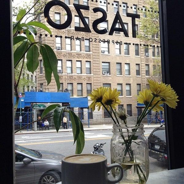 5/4/2014にCassie K.がTaszo Espresso Barで撮った写真