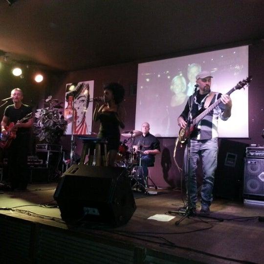 Снимок сделан в Bobino Club пользователем Paolo C. 11/7/2012