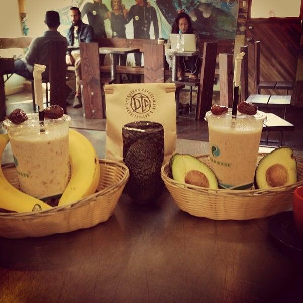 Foto tirada no(a) Dogtown Coffee por Assaf R. em 12/14/2012