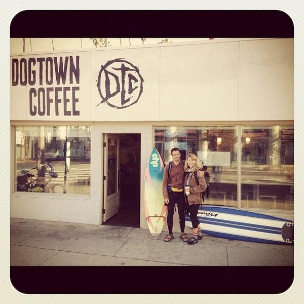 Foto tirada no(a) Dogtown Coffee por Assaf R. em 11/24/2012