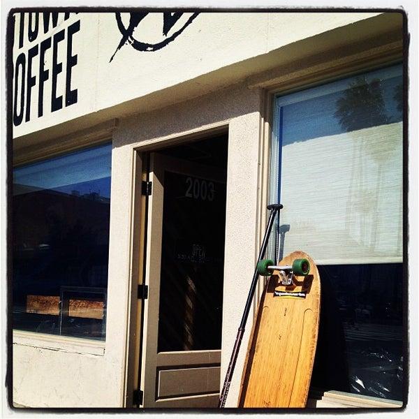 Foto tirada no(a) Dogtown Coffee por Assaf R. em 3/14/2013