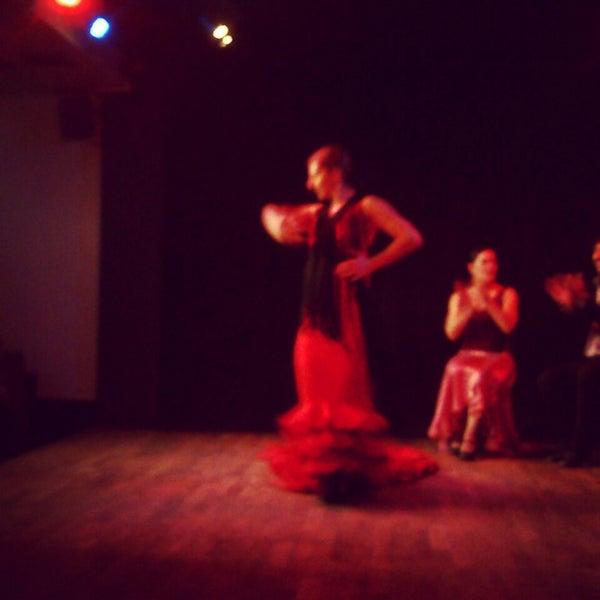 Снимок сделан в Las Tablas Tablao Flamenco пользователем Ioanna L. 3/30/2013