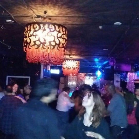 4/12/2014 tarihinde Rafael N. C.ziyaretçi tarafından Club Cache'de çekilen fotoğraf