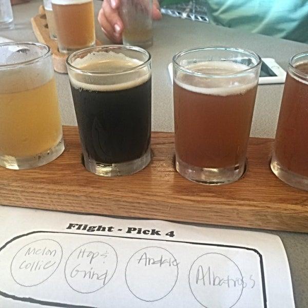 Foto tirada no(a) Frothy Beard Brewing Company por Tony em 8/5/2016