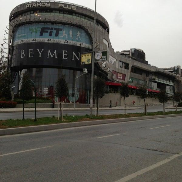 Das Foto wurde bei A Plus Ataköy von Polat am 4/1/2013 aufgenommen