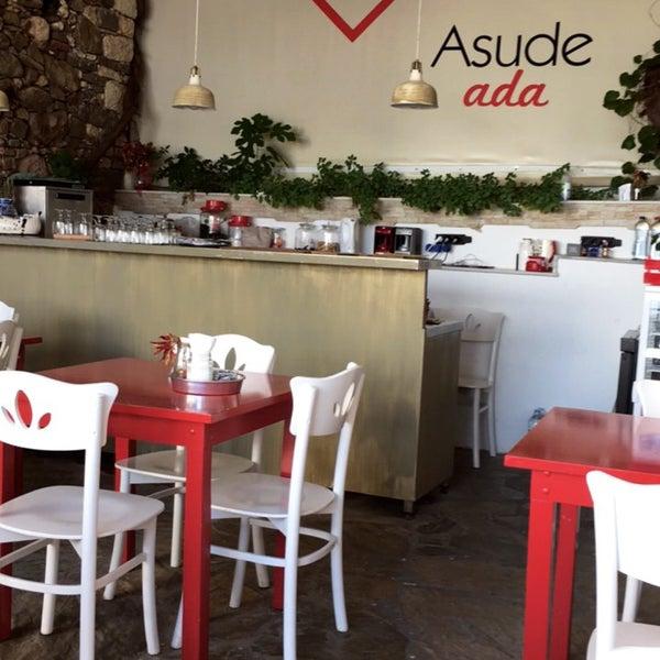 Foto tirada no(a) Asude Ada por . em 7/25/2017