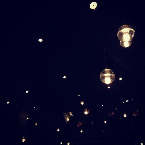 Das Foto wurde bei STK LA von Desi am 12/28/2012 aufgenommen
