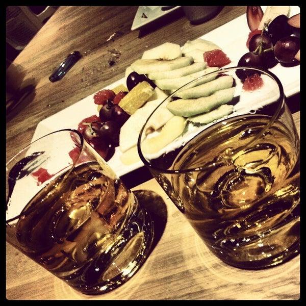 12/20/2012 tarihinde Oskay T.ziyaretçi tarafından Mint Restaurant & Bar'de çekilen fotoğraf