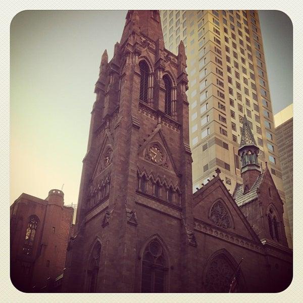 Foto diambil di Fifth Avenue Presbyterian Church oleh Brandon J. pada 5/12/2013