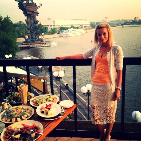 Foto tirada no(a) Ресторан & Lounge «Река» por Anastasya ✌✌✌ em 5/18/2013