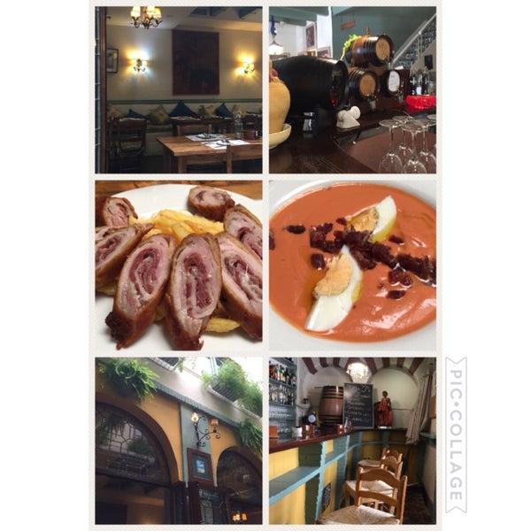 Un servicio excelente, una comida mejor y una ubicación inmejorable! Para repetir sin duda