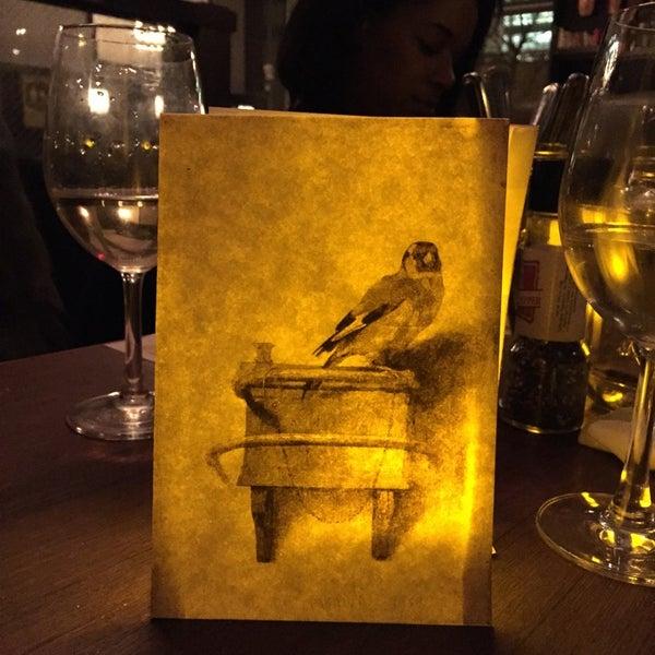 Foto tomada en Maslow 6 Wine Bar and Shop por Jonathan C. el 11/25/2014